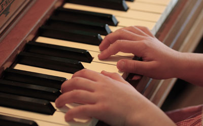 Music Lessons - Piano Lessons at Music Makers Calgary