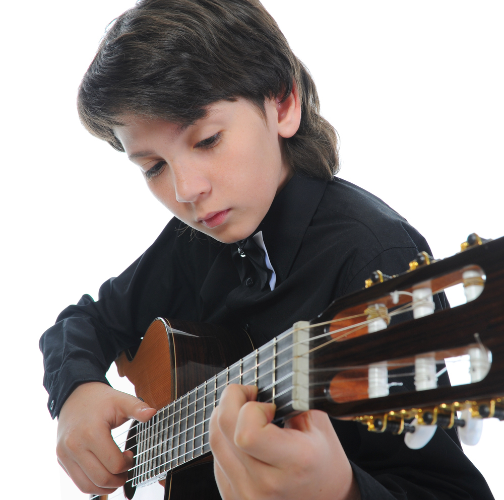 benefit of playing guitars There are lots of benefits of playing guitar the following are 10 of them if you were considering picking up this instrument – or another instrument for that matter – but are still on the fence, hopefully this will give you all the motivation you need to get started.